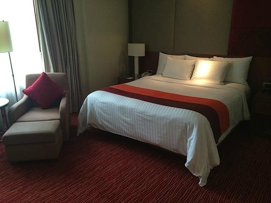 Courtyard by Marriott Bangkok : Great bed and pillows