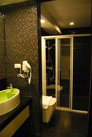 Ibis Styles Chiang Mai: Salle de bains