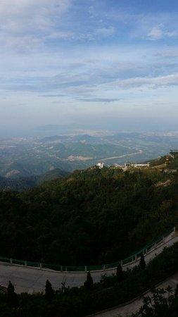 Ba Na Hills Mountain Resort: On a way up