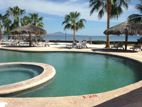 Loreto Bay Golf Resort & Spa at Baja: Pool at the hotel