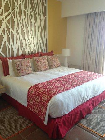 Loreto Bay Golf Resort & Spa at Baja: Inside of the room