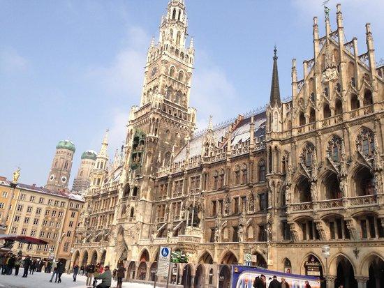 Marienplatz: Rathaus-Glockenspiel