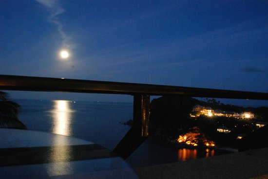 Banyan Tree Samui: From the Hotel Restaurant - the Super moon
