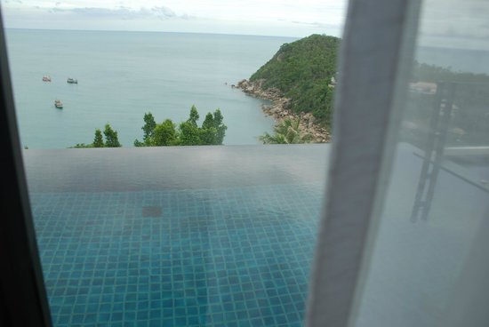 Banyan Tree Samui: The Infinity pool from the Sitting room