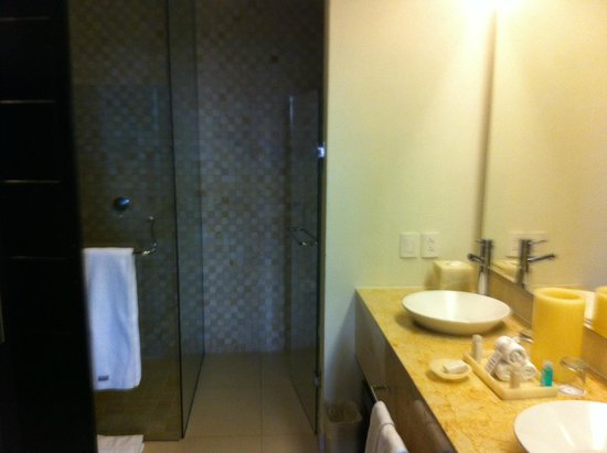 Marival Residences Luxury Resort: Bathroom