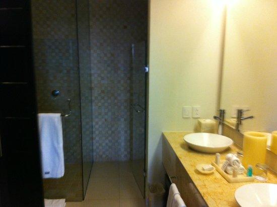Marival Residences Luxury Resort Nuevo Vallarta: Bathroom