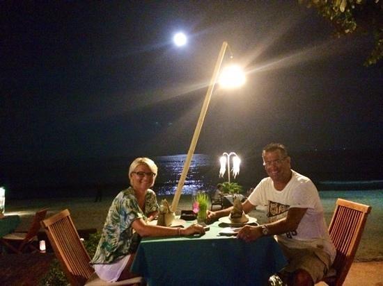 Buri Rasa Village Samui: dinner on the beach