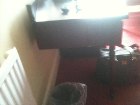 The Portland Hotel: Leg missing off dressing table