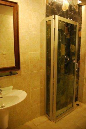 Golden Pine Resort: Salle de bains