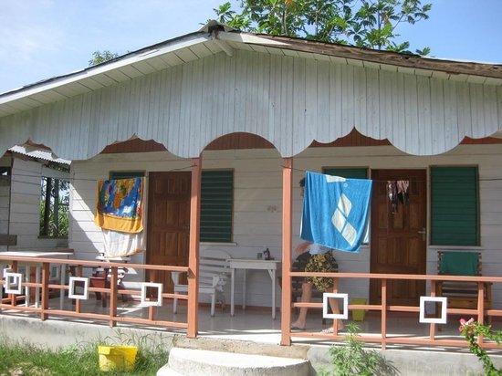 Jah B's Doll House Cottages : Villa