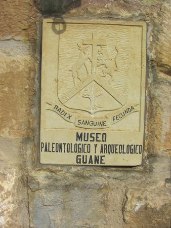 Museo Isaias Ardila Diaz: Placa en la entrada al museo