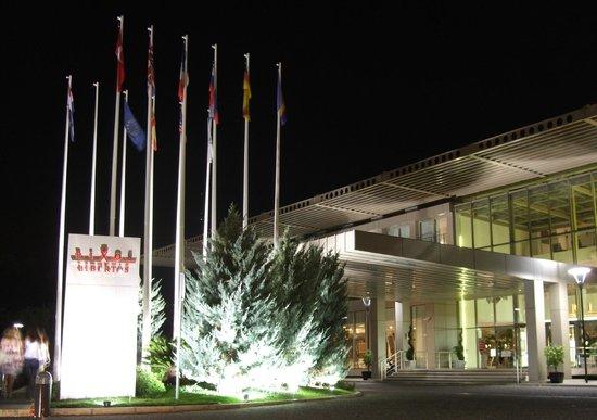 Rixos Hotel Libertas : 近代的な国際ホテル