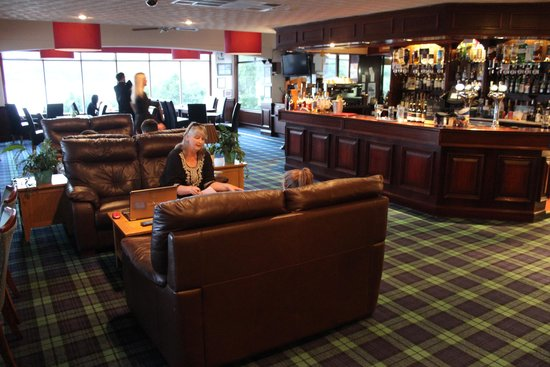 Loch Ness Clansman Hotel: Bar and Lounge area