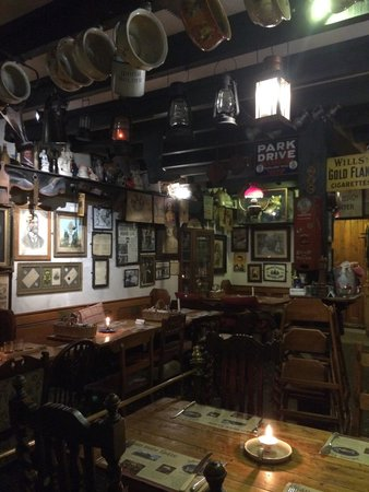 Johnnie Fox's Pub : All'interno del pub