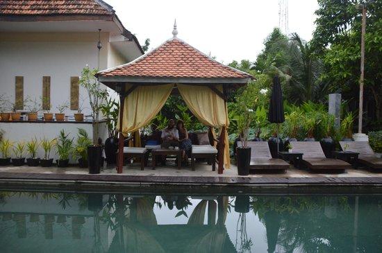 The Sanctuary Villa: Zona de piscina