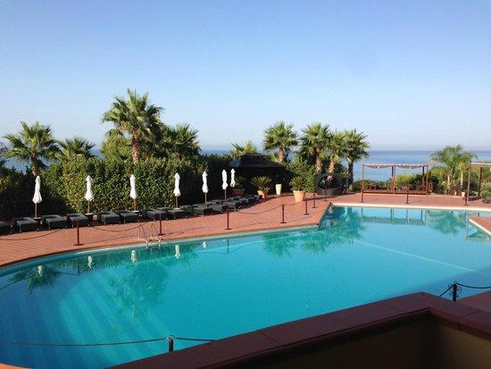 Baia di Ulisse Wellness & SPA : vista piscina dalla camera