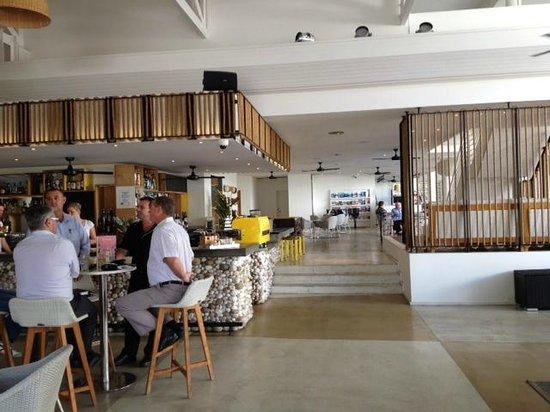QT Port Douglas: Bar