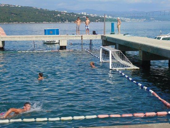Volosko: Waterpolo pool in the sea