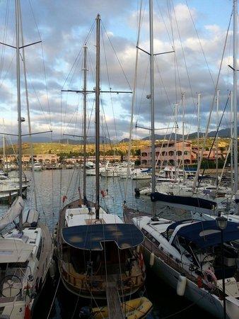 Club Valtur Portorosa: Vista dalla piscina