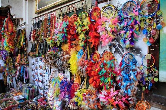سوق سوكاواتي للمنتجات الفنية