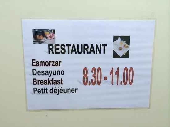 Hotel Avenida : breakfast serving times