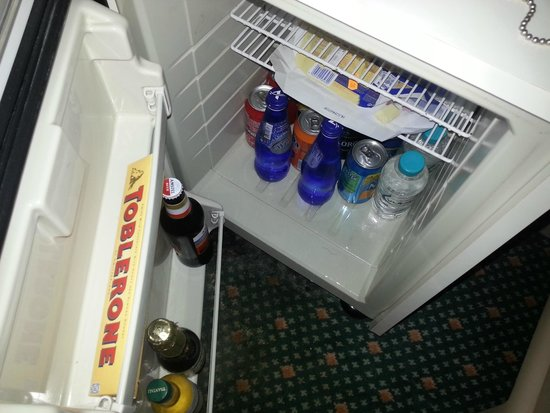 Rodos Palace: Out of order Mini bar fridge