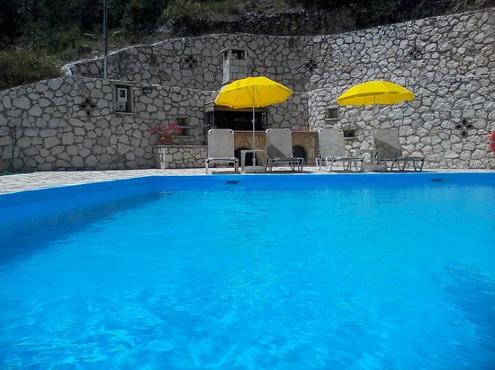 Vassiliki Bay Villas: POOL