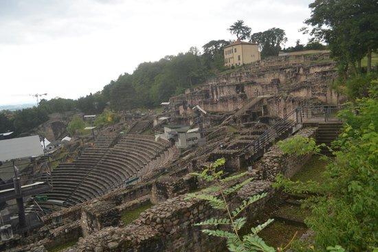 Théâtres Romains de Fourvière : Roman Ruins