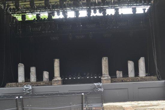 Théâtres Romains de Fourvière : 15 BC Roman Pillars