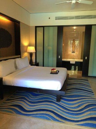 Conrad Bali: room