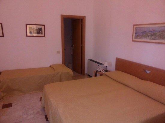Hotel Ericevalle : Camera tripla/quadrupla