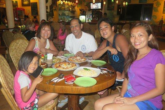 Artcafe : family dinner