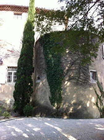 Le Castel du Mont Boisé : vue côté jardin