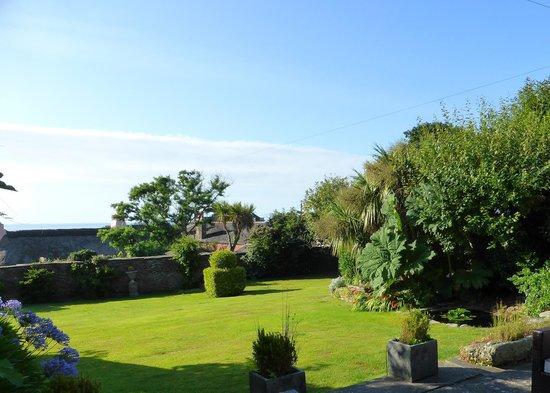 Strete Barton House: Gardenview 1