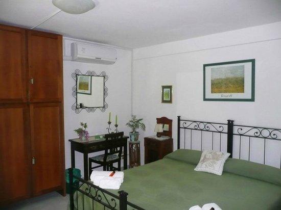 Al Giardino degli Ulivi: camera verde doppia standard