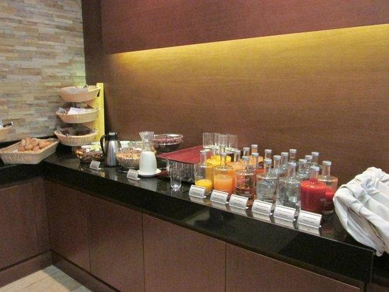 Golden Tulip Warsaw Centre: Breakfast
