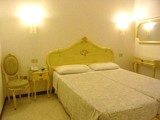 Hotel Guerrini : お部屋
