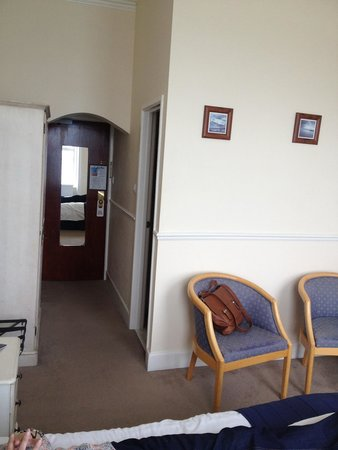 Grand Hotel Swanage: Another shot of sea facing first floor room, chairs are down to the threads
