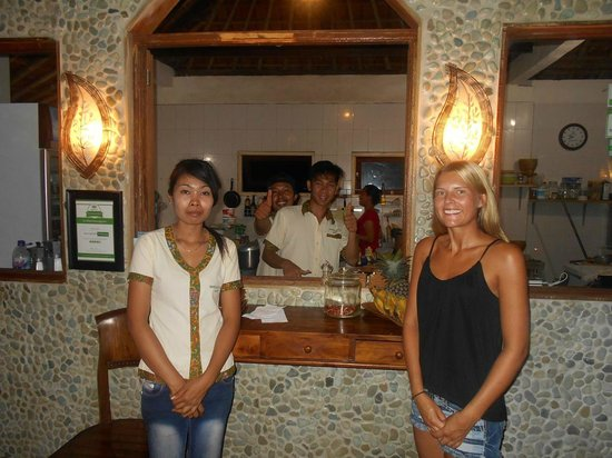 Warung Enak: Malin with the warung staff for the evening