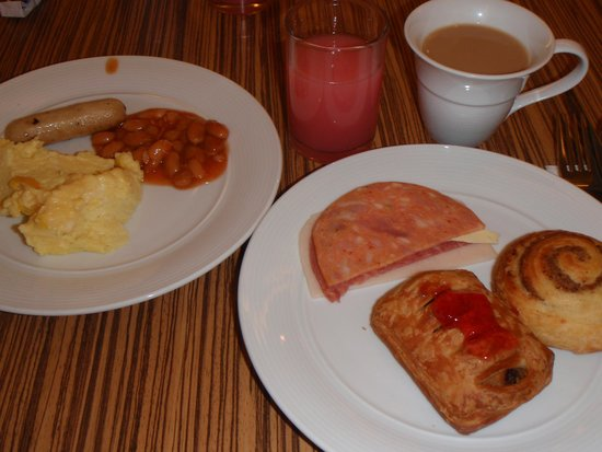 PARKROYAL Serviced Suites Kuala Lumpur : 朝食