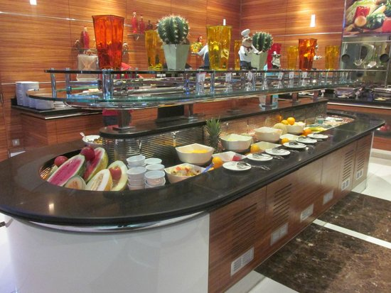 Four Points by Sheraton Downtown Dubai : Breakfast