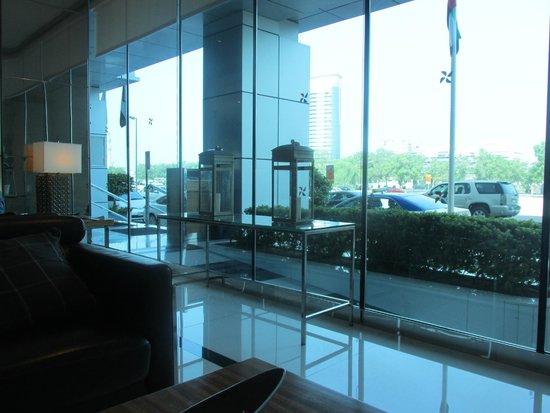 Four Points by Sheraton Downtown Dubai : Lobby