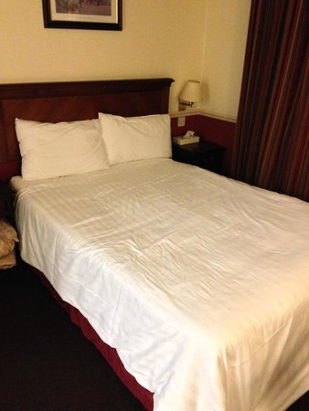 Comfort Inn Birmingham: Fairly roomy bedroom