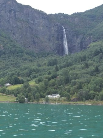 Adventure Tours Norway: Enroute to the waterfall.