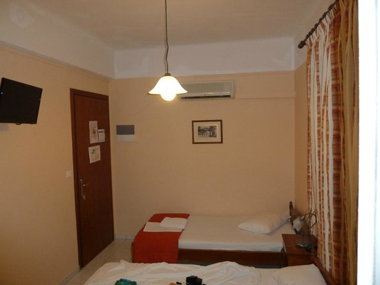 Hotel Mirabello: Single room, interior