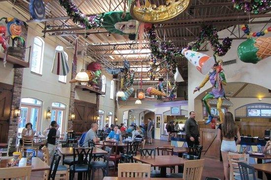 Disney's Port Orleans Resort - French Quarter : Sassagoula Dining area