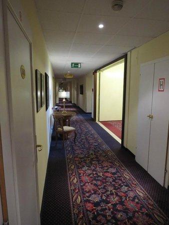 Parkhotel Graz : corridor