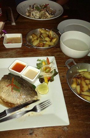 Fisherman's Restaurant & Bar: Seafood pasta, barracuda fillet and sautéed potatoes... Divine
