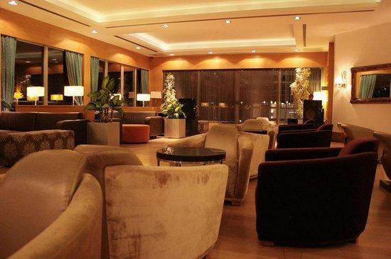 Isis Hotel : The inside main bar