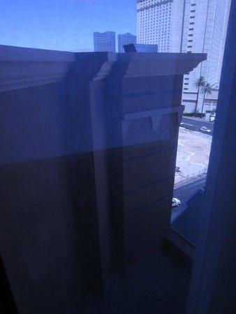 New York - New York Hotel and Casino: Uitzicht uit onze aanbiedingskamer.